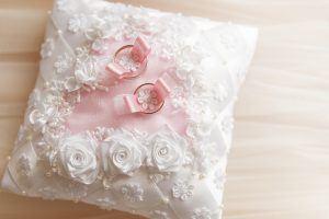 wedding-3120844_1920-300x200